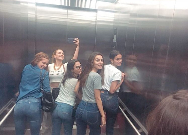 Marina Ruy Barbosa, Tatá Werneck, Bruna Marquezine, Fernanda Nobre, Marina Moschen