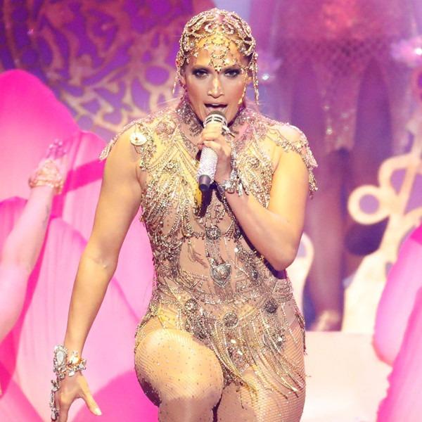 Jennifer Lopez, 2018 Billboard Latin Music Awards, Show