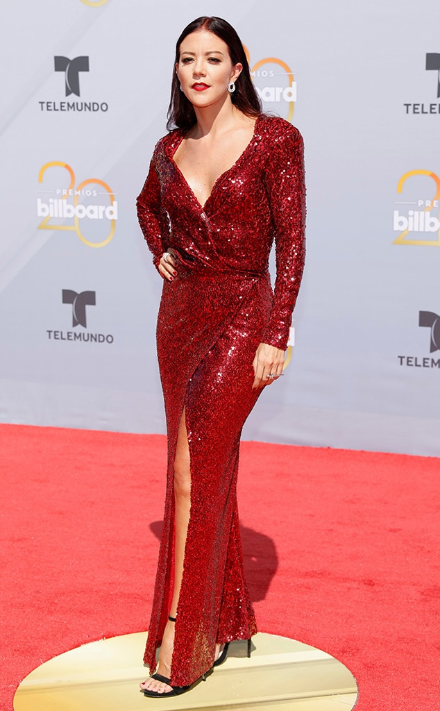 In or Out - Page 31 Rs_634x1024-180426161401-634.Fernanda-Castillo-billboard-latin-music-awards-2018