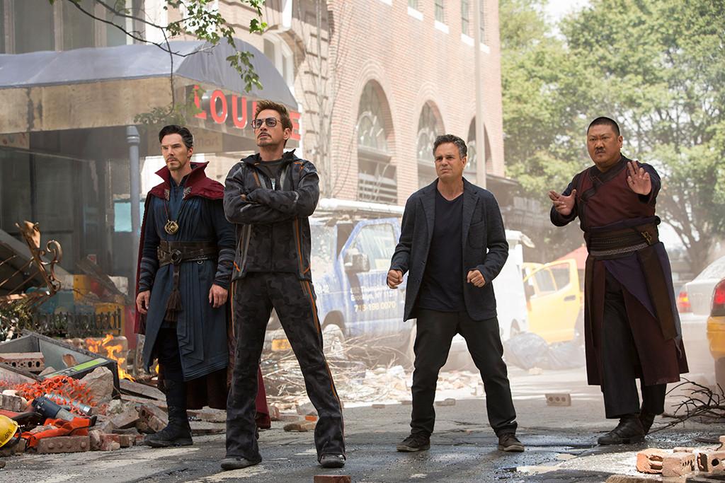 Avengers: Infinity War, Benedict Cumberbatch, Robert Downey Jr., Mark Ruffalo, Benedict Wong