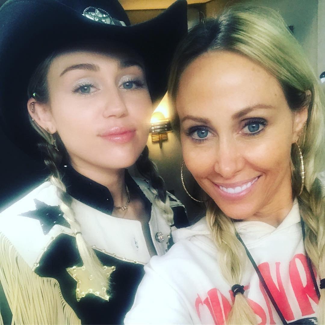 ESC: Miley Cyrus, Tish Cyrus