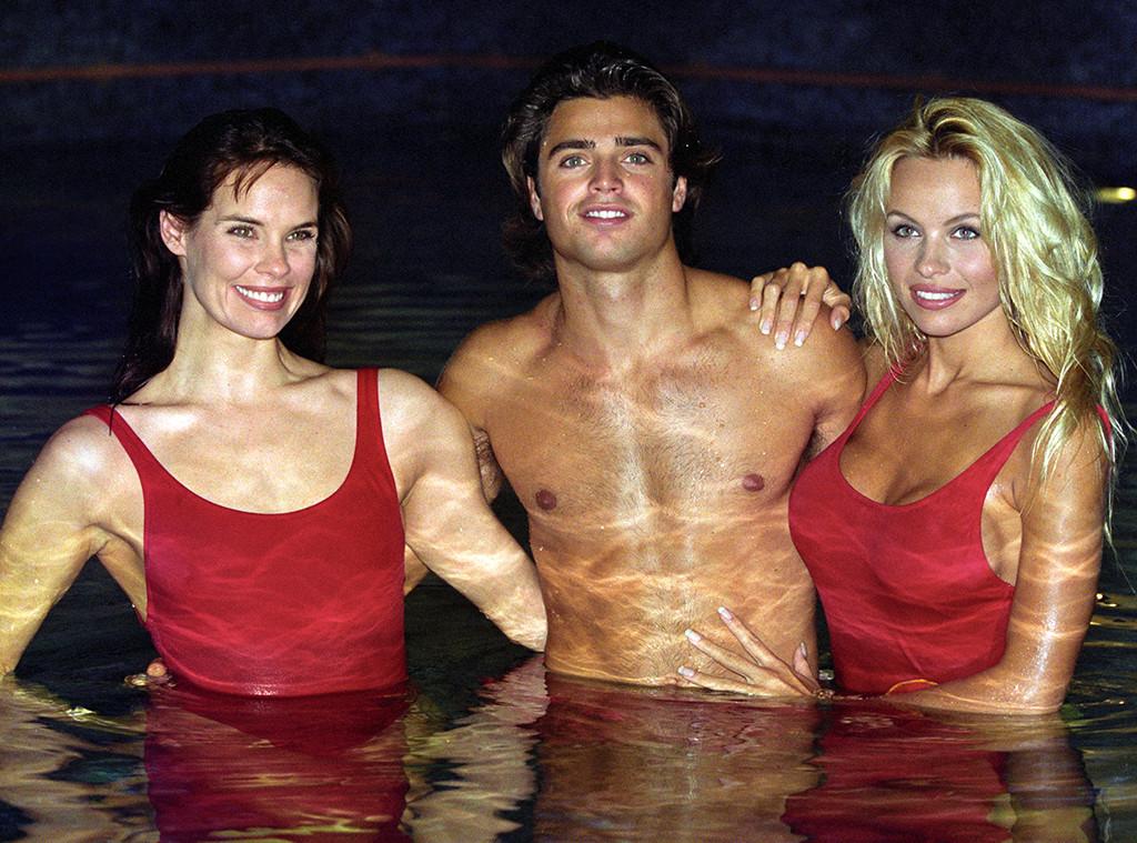 Alexandra Paul, David Charvet, Pamela Anderson, Baywatch, 1993