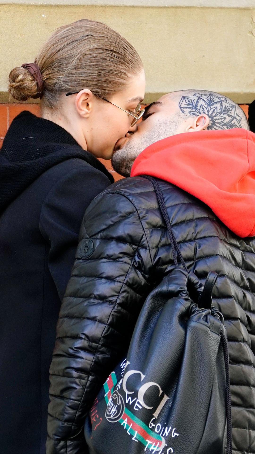 Gigi Hadid, Zayn Malik, Kiss