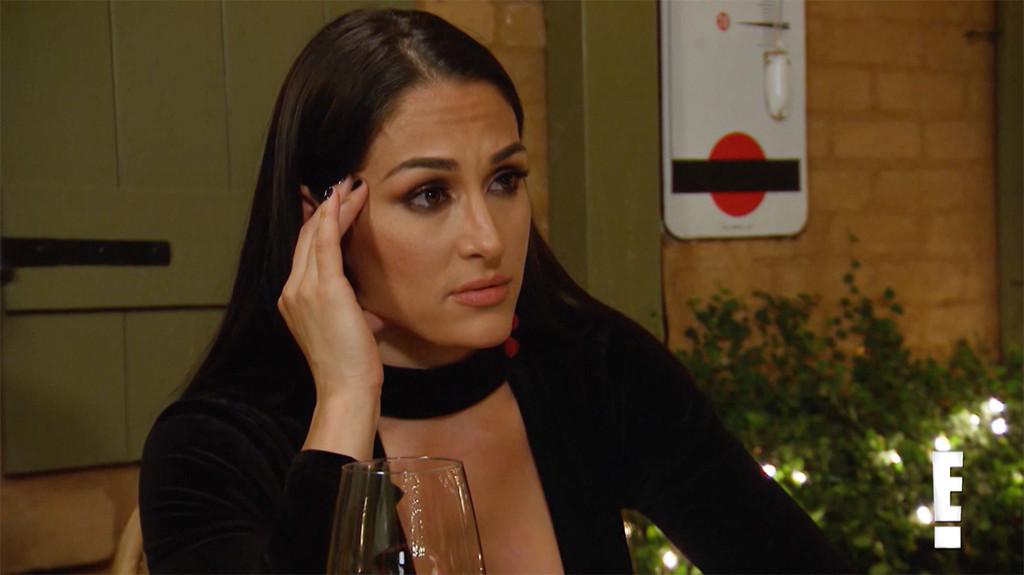 Nikki Bella, Total Bellas 301