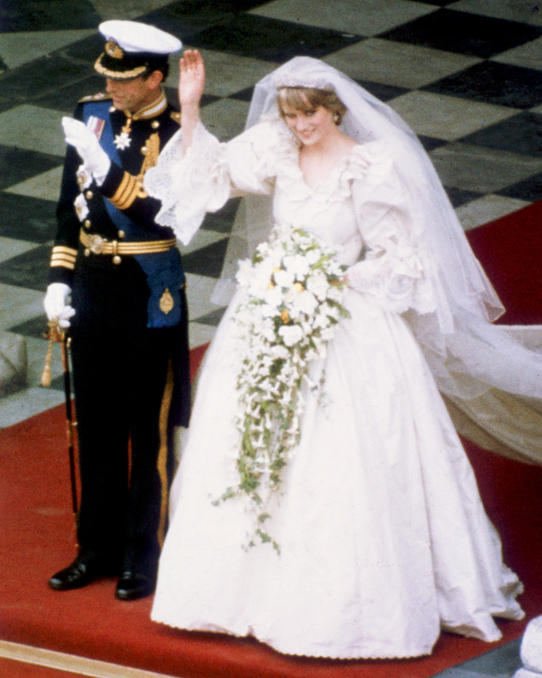 Comparing Meghan Markle And Princess Diana S Wedding