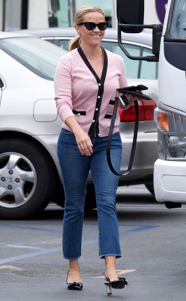 Reese Witherspoon -  Sweet sighting!