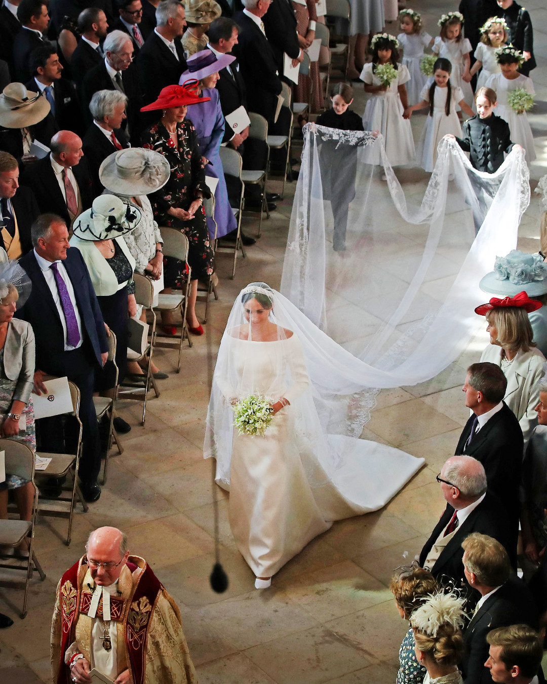 how meghan markle s wedding dress compares to kate middleton s e online how meghan markle s wedding dress