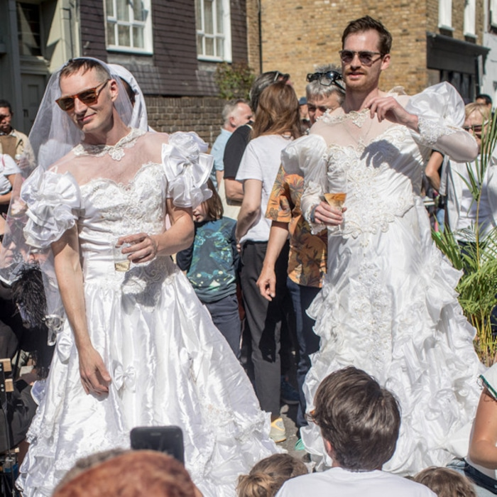 The Funniest Photos of Super Excited Royal Wedding Fans | E! News