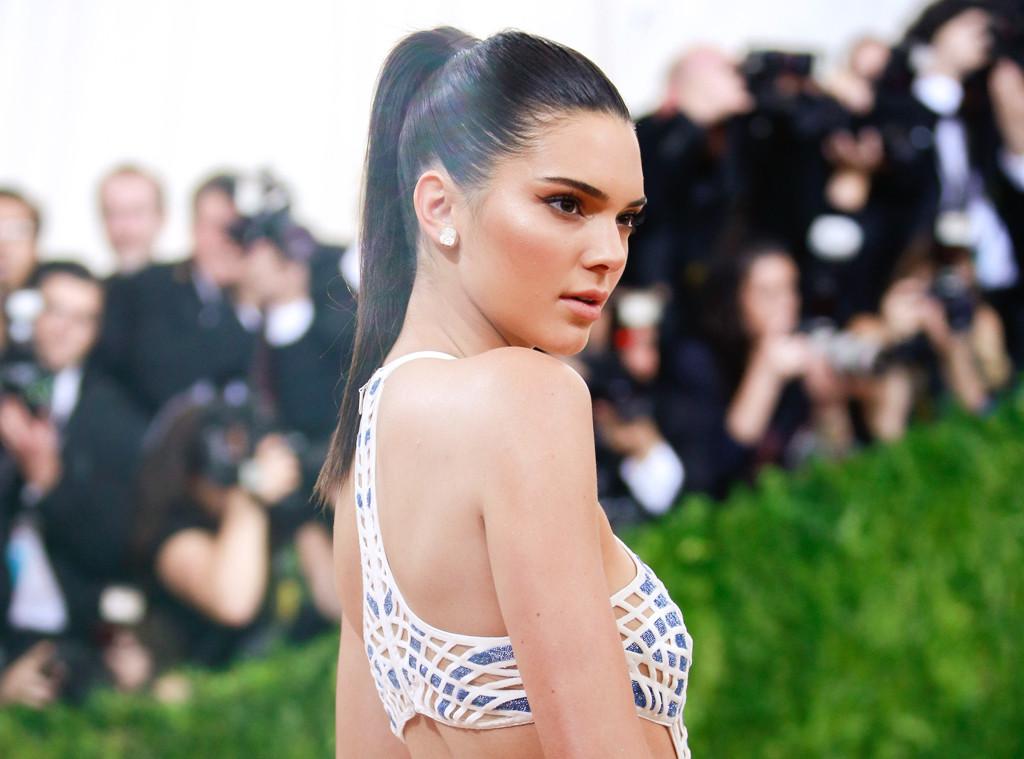 ESC: Kendall Jenner, Met Gala 2016