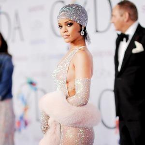 ESC: Rihanna
