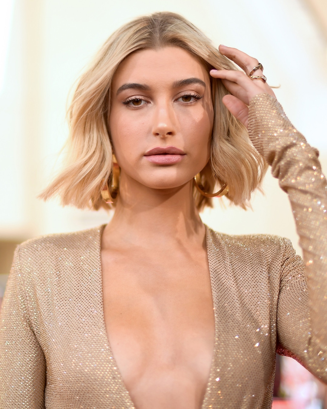 ESC: Hailey Baldwin, Billboard Awards