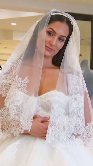 Nikki Bella, Brie Bella, Wedding Dress, Total Bellas 302