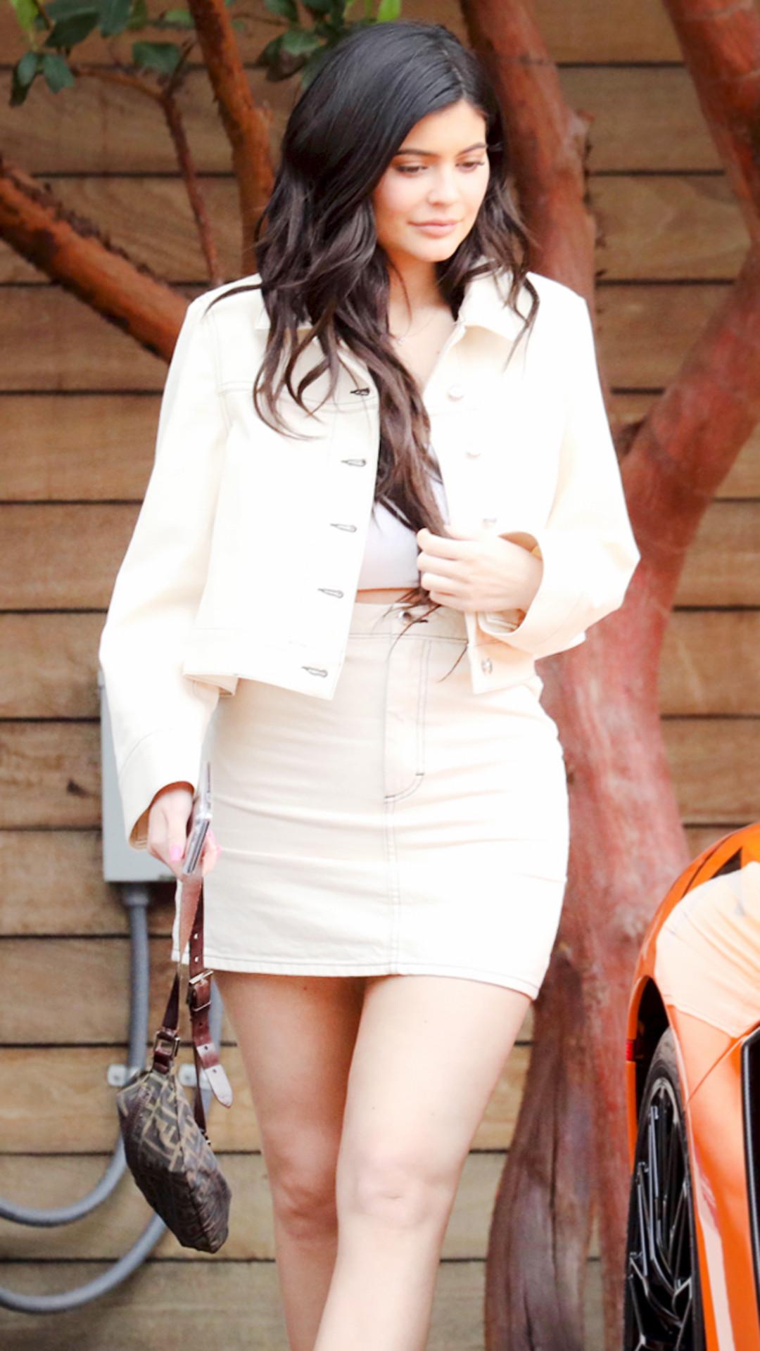 ESC: Kylie Jenner, Pastel Denim