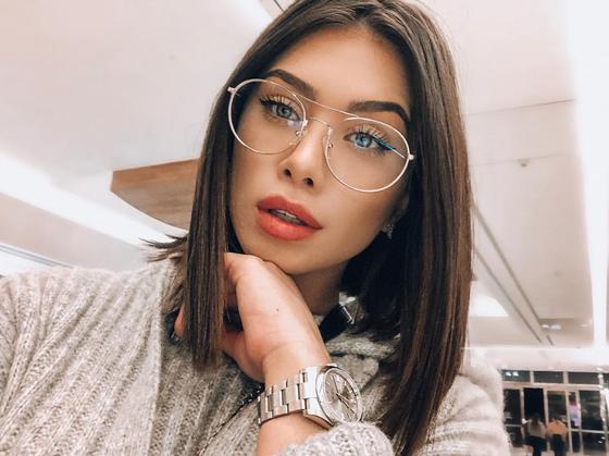 Flavia Pavanelli, Instagram