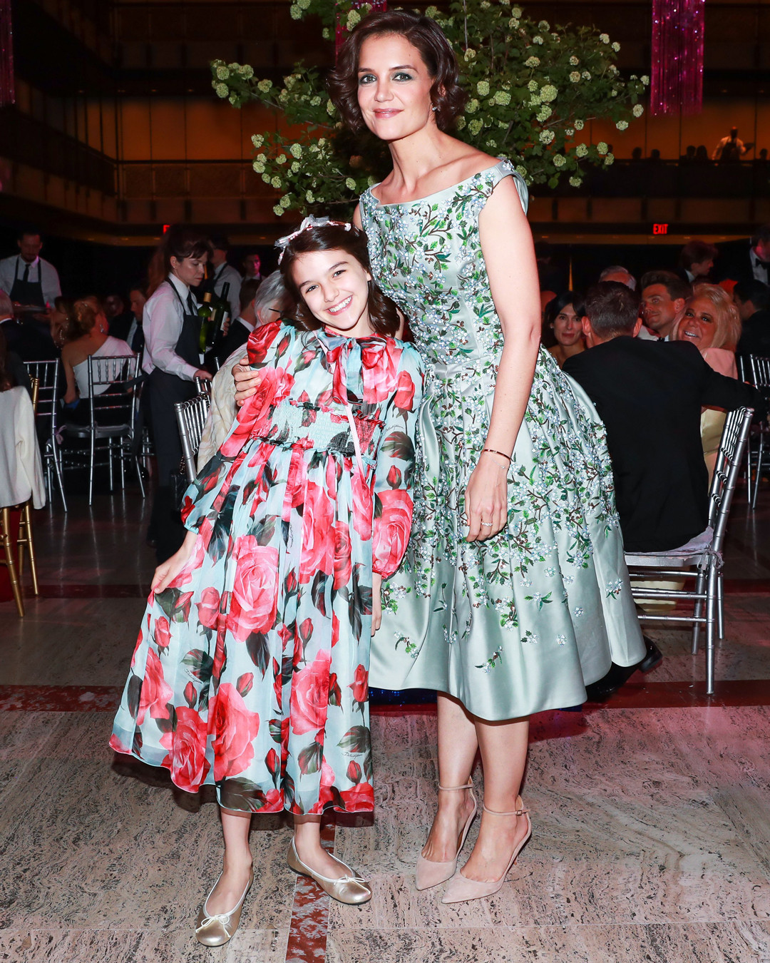 cad4dc30aa2 Suri Cruise Just Wore Summer s New Floral Dress Trend