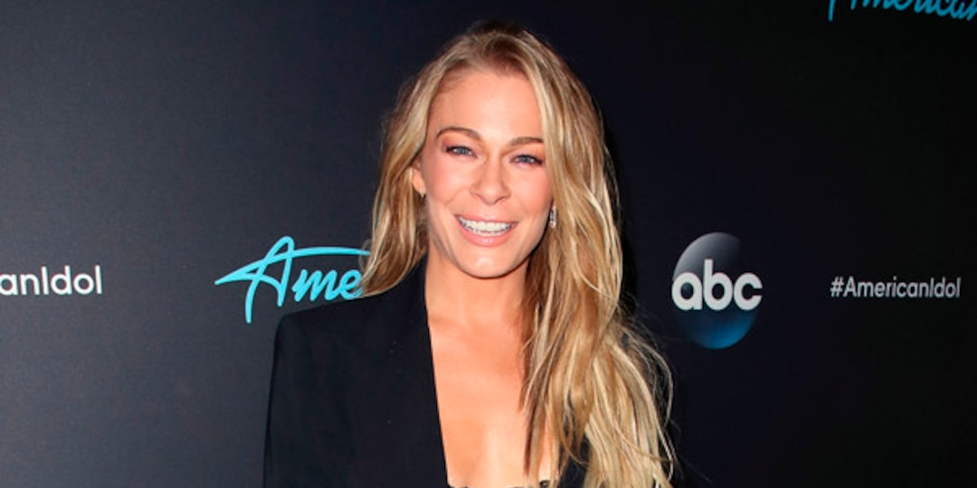 "LeAnn Rimes Looks Back on ""Freeing"" Coyote Ugly Role 20 Years Later - E! Online.jpg"