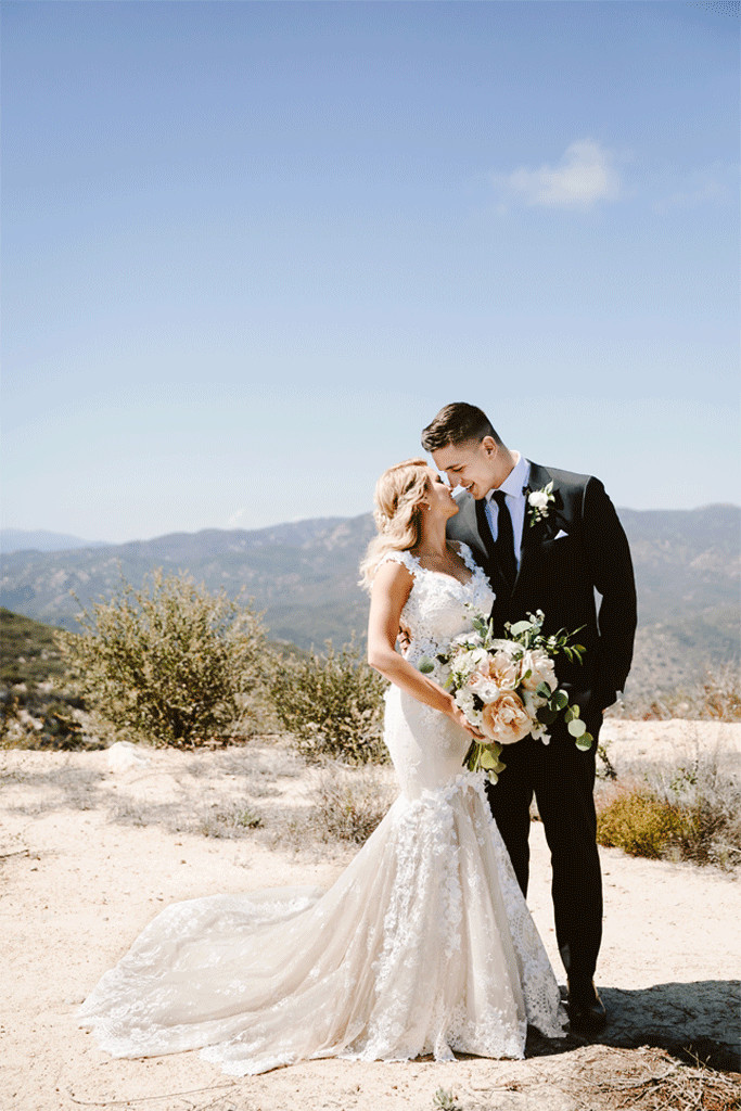Tori Kelly Is Married Singer Weds Basketball Player Andr 233 Murillo E News