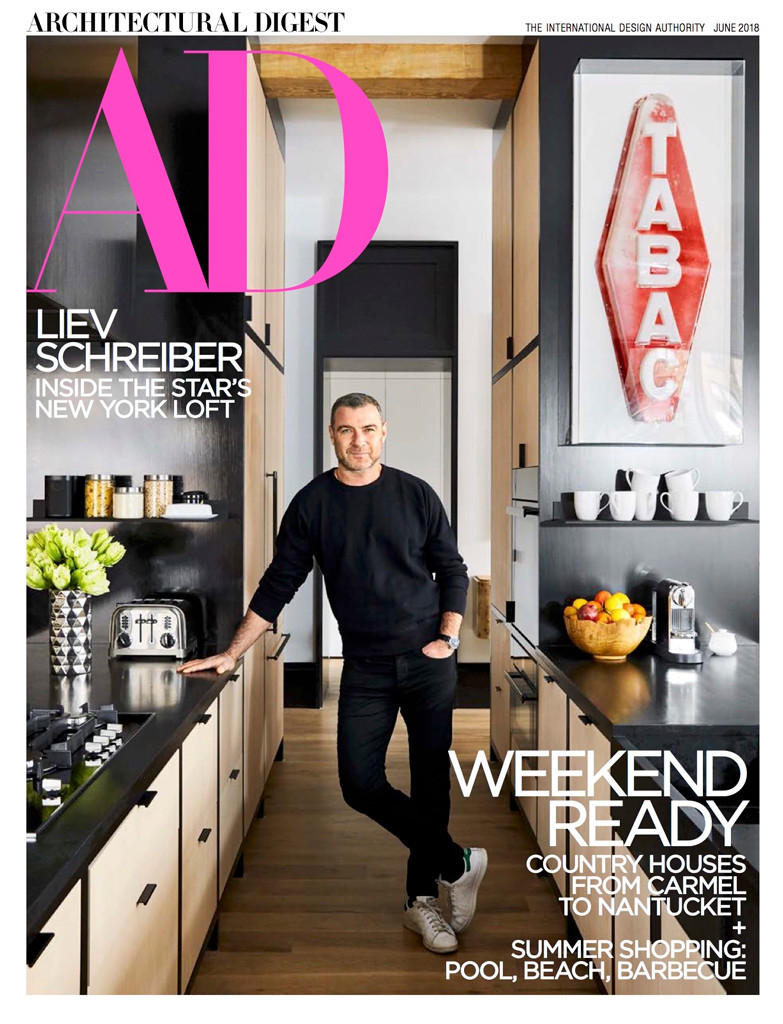 43b5b4ce78f23 Liev Schreiber Shows Off His Bachelor Pad in Architectural Digest ...