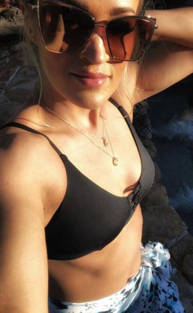 Carrie Undewood, Bathing Suit, Pool