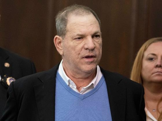 Harvey Weinstein fait face à de nouvelles accusations de viol dans une plainte collective