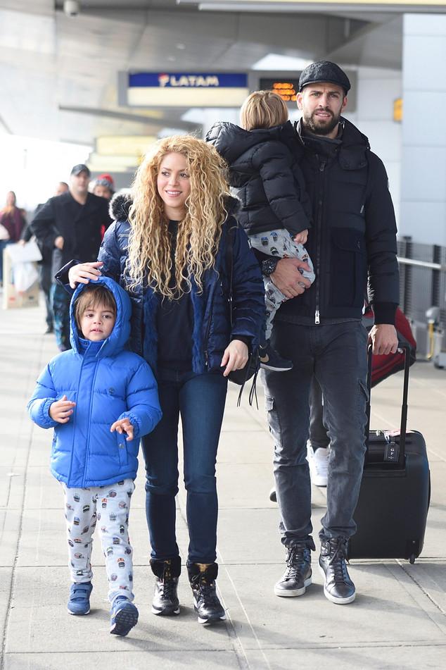 Shakira, Pique, Sasha, Milan