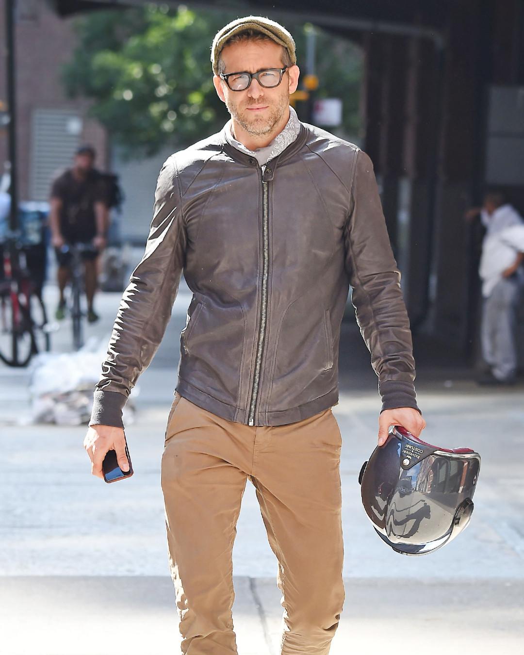 ESC: Ryan Reynolds