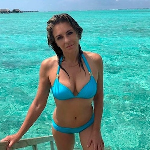 Elizabeth Hurley, Blue Bikini