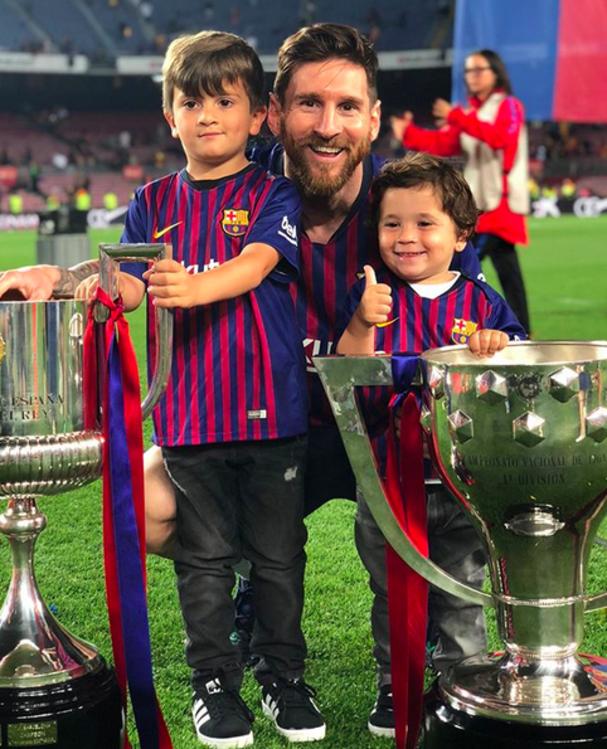 Lionel Messi, Thiago, Mateo