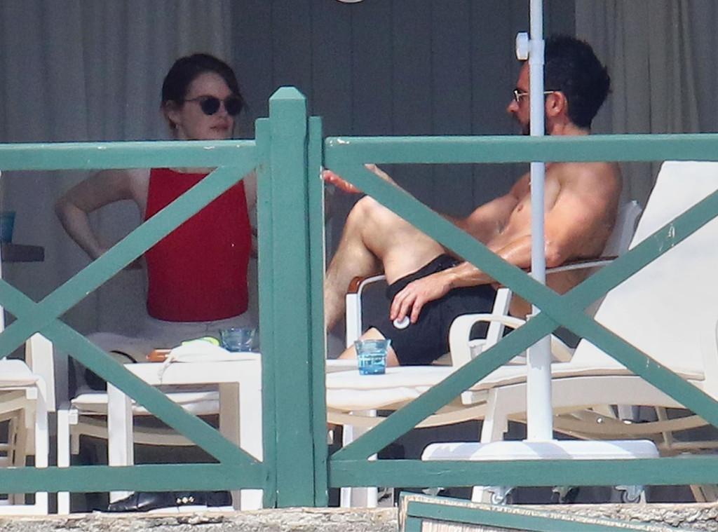 Emma Stone dan Justin Theroux diketahui liburan bareng di Perancis (dok. E!News)