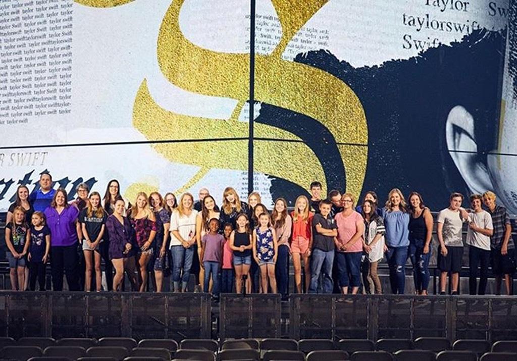Taylor Swift, Arizona foster kids