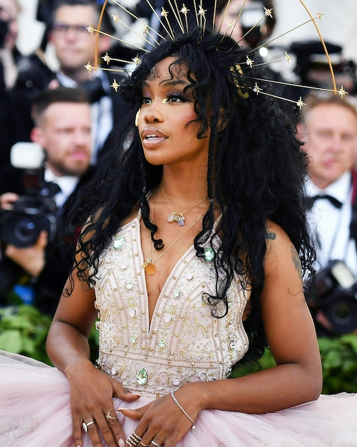 ESC: Met Gala 2018, SZA, Head Pieces