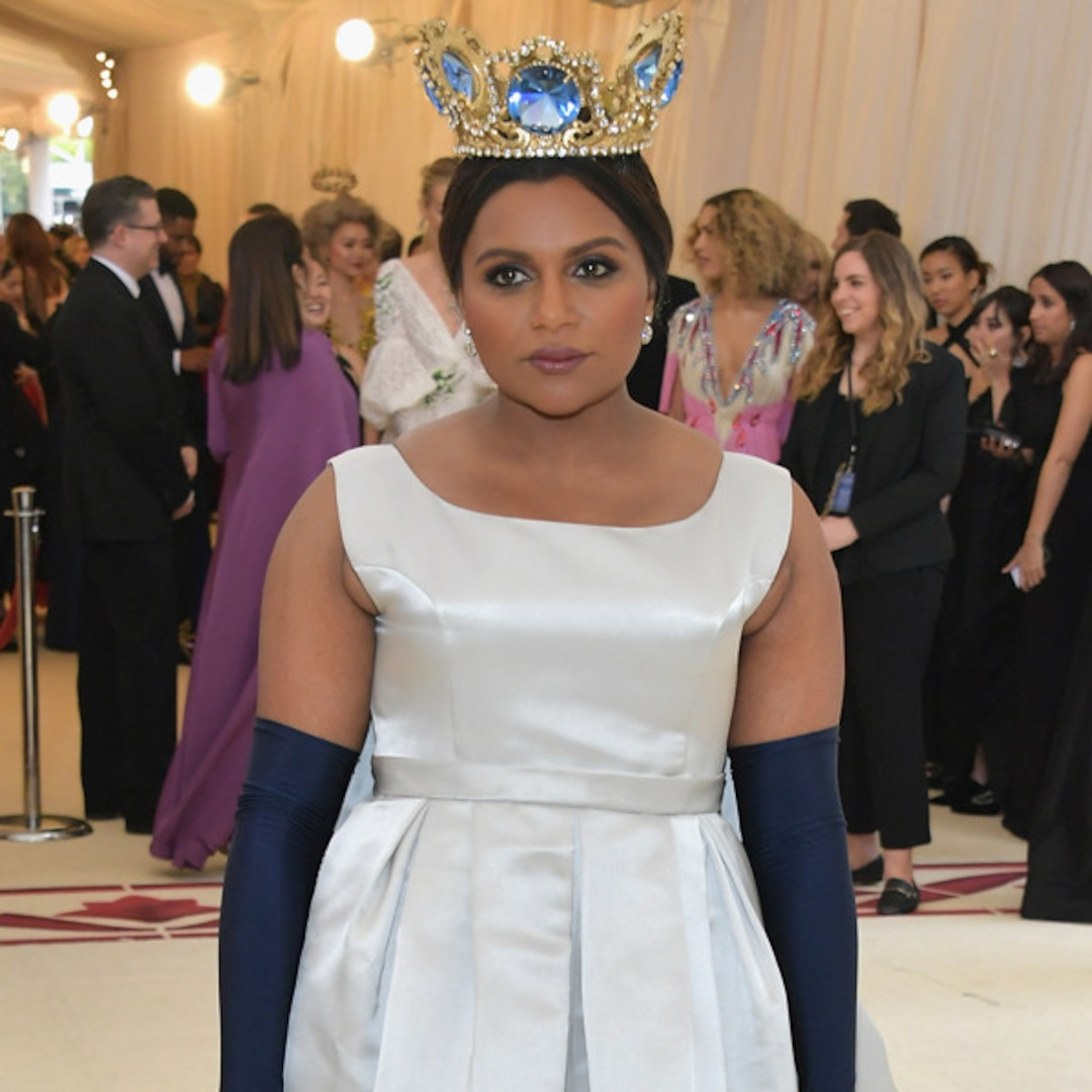 Mindy Kaling Is A Fashion Queen At The 2018 Met Gala E Online