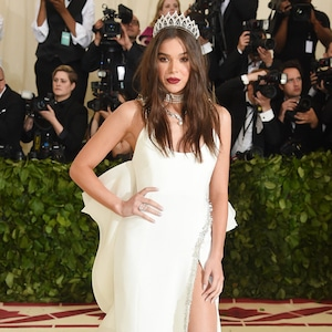 Hailee Steinfeld, 2018 Met Gala, Red Carpet Fashions