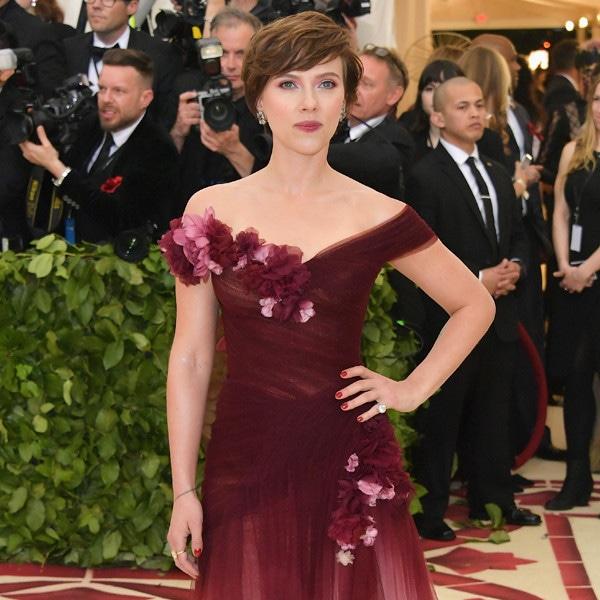 Scarlett Johansson, 2018 Met Gala, Red Carpet Fashions