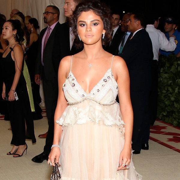 Selena Gomez, 2018 Met Gala, Red Carpet Fashions