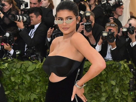 Kylie Jenner Makes <i>Forbes</i>' List of America's Wealthiest Celebrities
