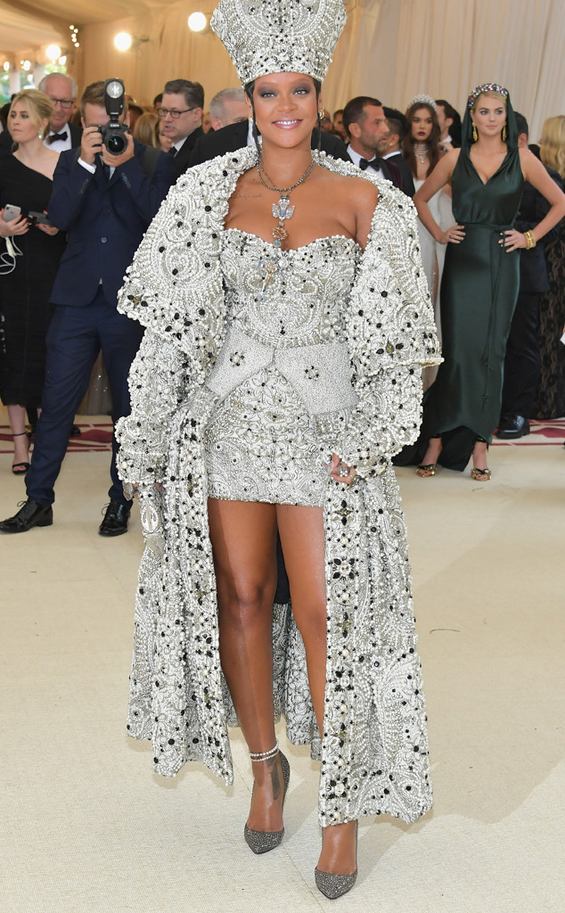 Rihanna, 2018 Met Gala, Red Carpet Fashions