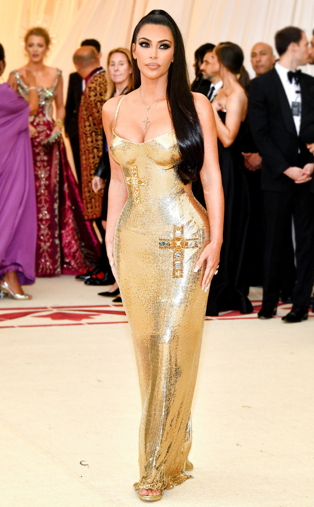 Decouvrez Tous Les Looks Epoustouflants De Kim Kardashian Au