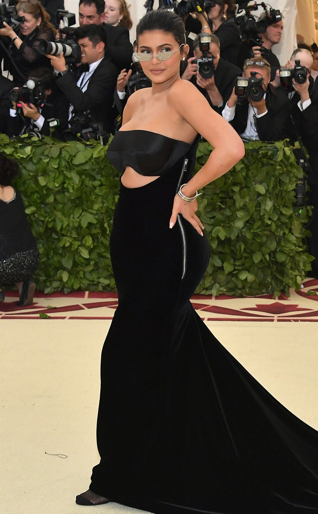 Kylie Jenner, 2018 Met Gala, Red Carpet Fashions, Kardashian Widget, Kardashian Met Gala Widget