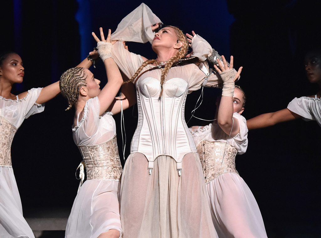 rs_1024x759-180508044122-1024-Madonna-Met-Gala-NYC-LT-050818.jpg?fit=inside%7C900:auto&output-quality=90
