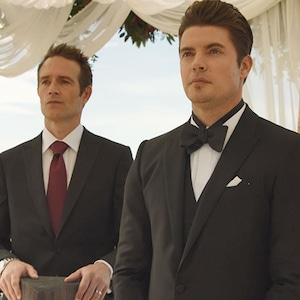 Josh Henderson, Michael Vartan, The Arrangement 210