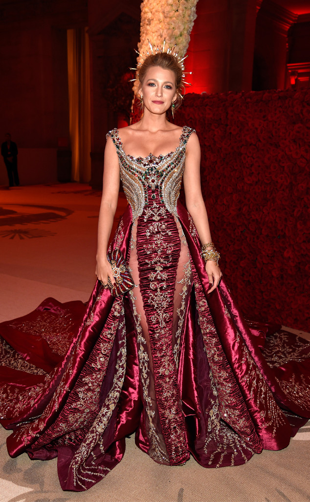 Red carpet fashion at the oscars 42
