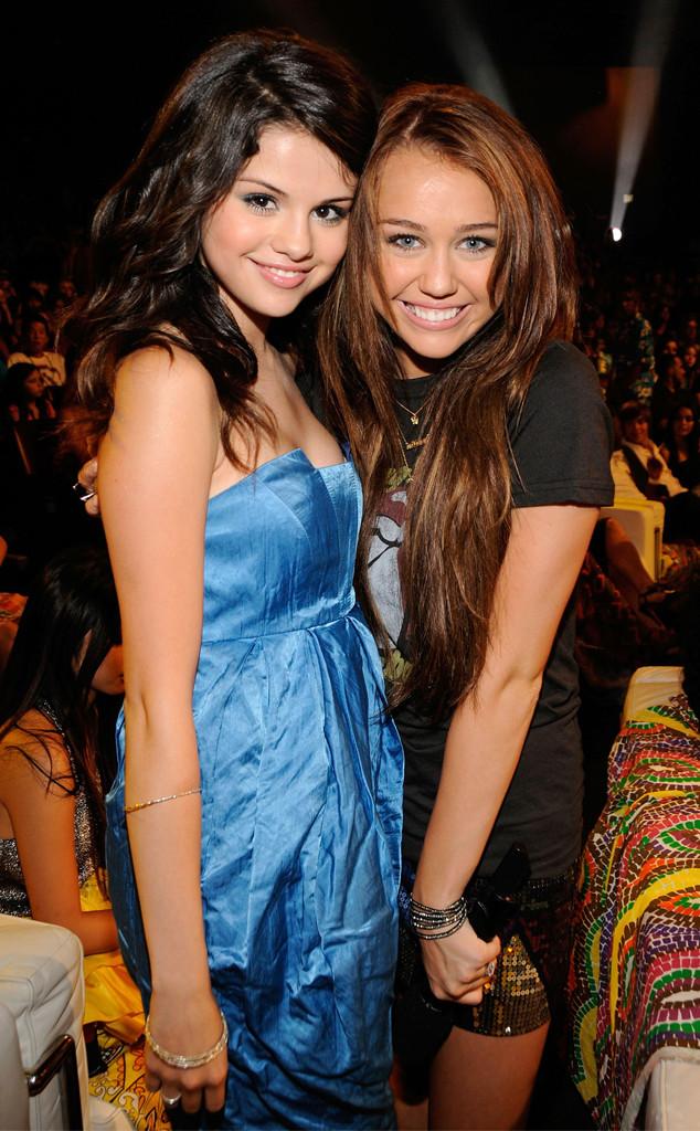Selena Gomez, Miley Cyrus, 2008 Teen Choice Awards