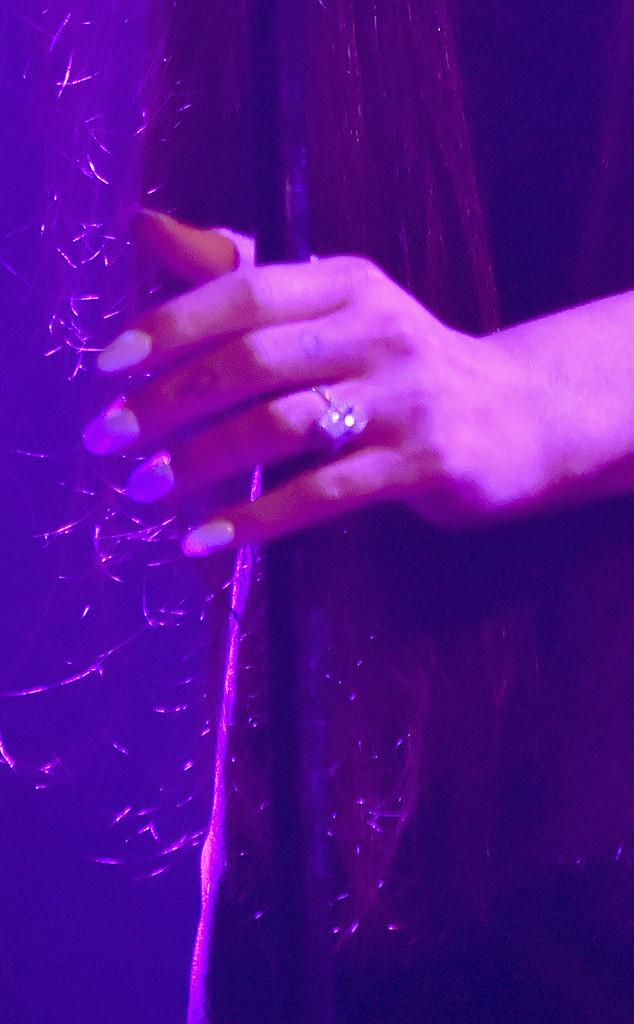 Ariana Grande, Ring