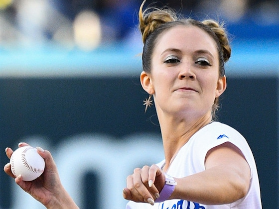 Billie Lourd Honors Carrie Fisher With Leia Hairstyle at Dodgers <i>Star Wars</i> Night