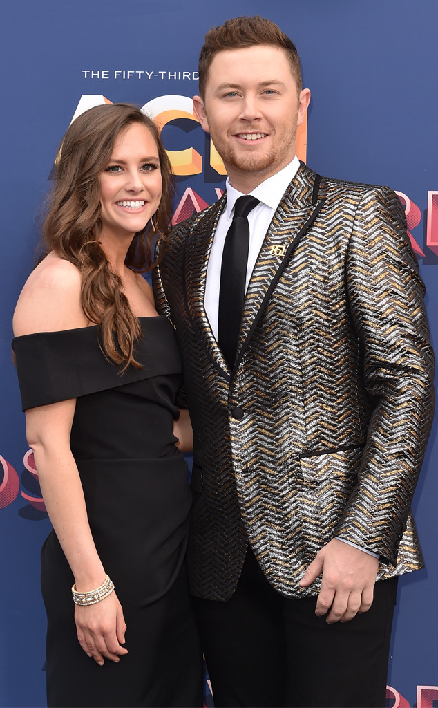 American Idol s Scotty McCreery gets engaged to girlfriend