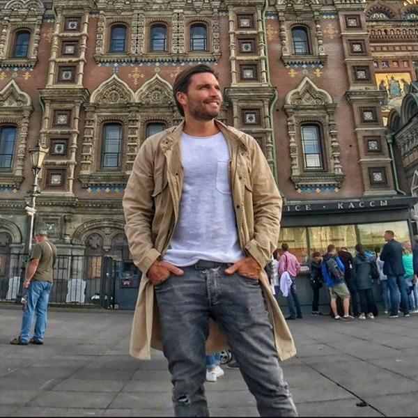 Julian Gil encuentra el amor en Rusia