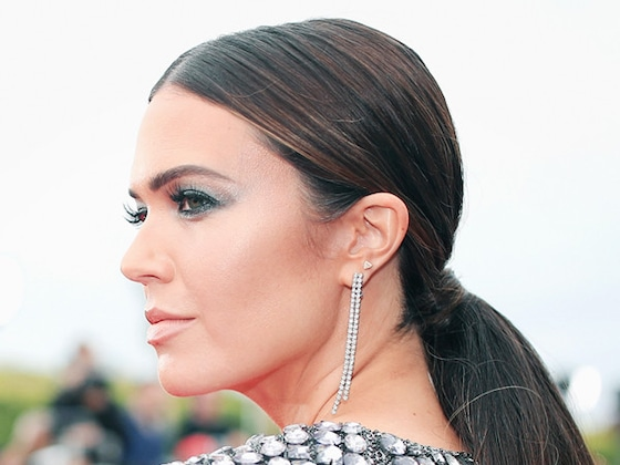 How Mandy Moore's Hairstylist Created Her Mermaid Ponytail