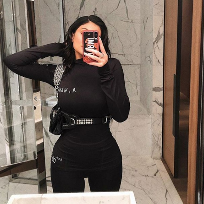9c42c8fe143 8 Types of Selfies Kylie Jenner Perfected Long Before National Selfie Day |  E! News Canada