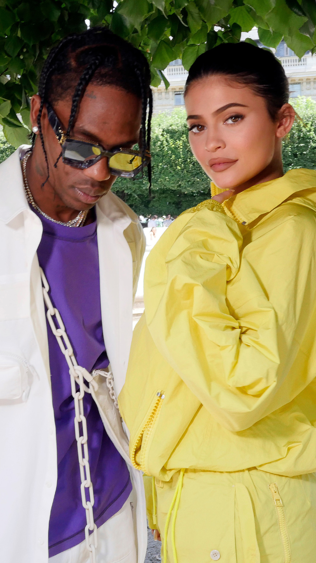 ESC: Travis Scott, Kylie Jenner